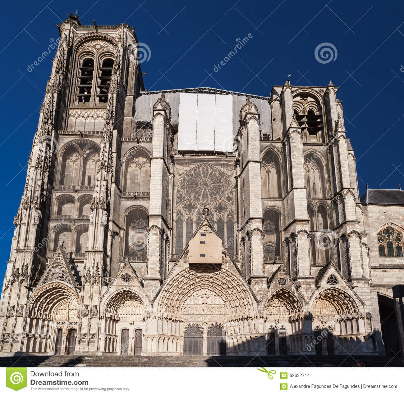 Bourges cathedral france stock photo image of statue 62632714 - Stock industriel bourges ...
