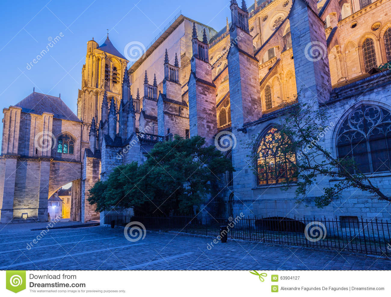 Bourges france stock photo image 63904127 - Stock industriel bourges ...