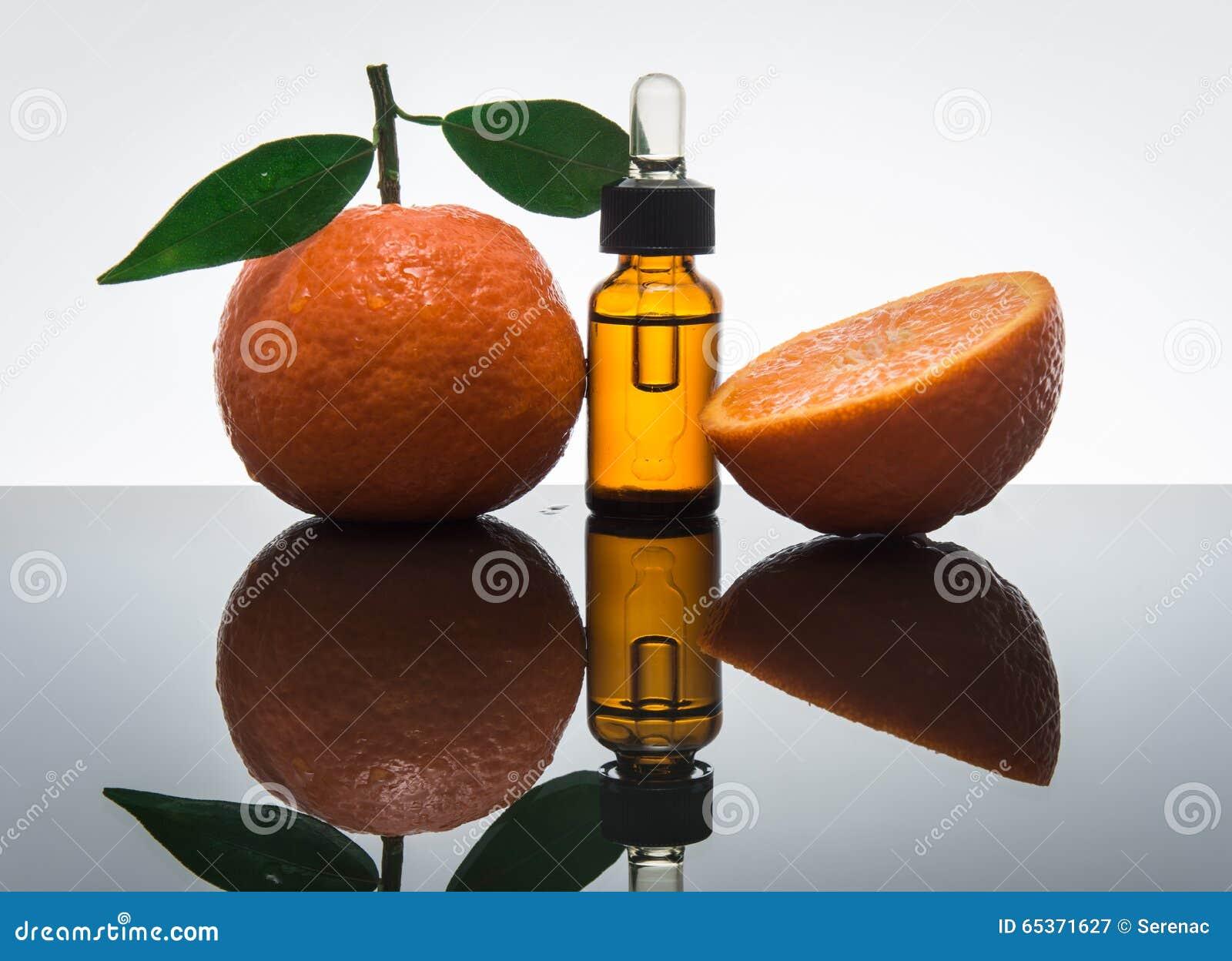 Bouteille d huile essentielle de mandarine/mandarine avec le compte-gouttes