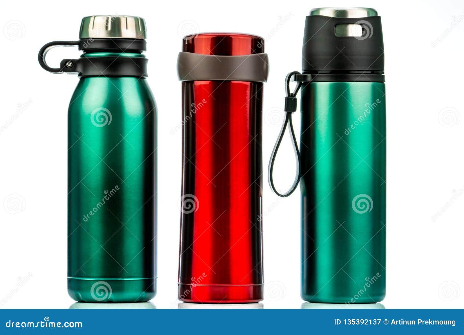 Cantine De Voyage Metallique bouteille de thermos d'isolement sur le fond blanc conteneur