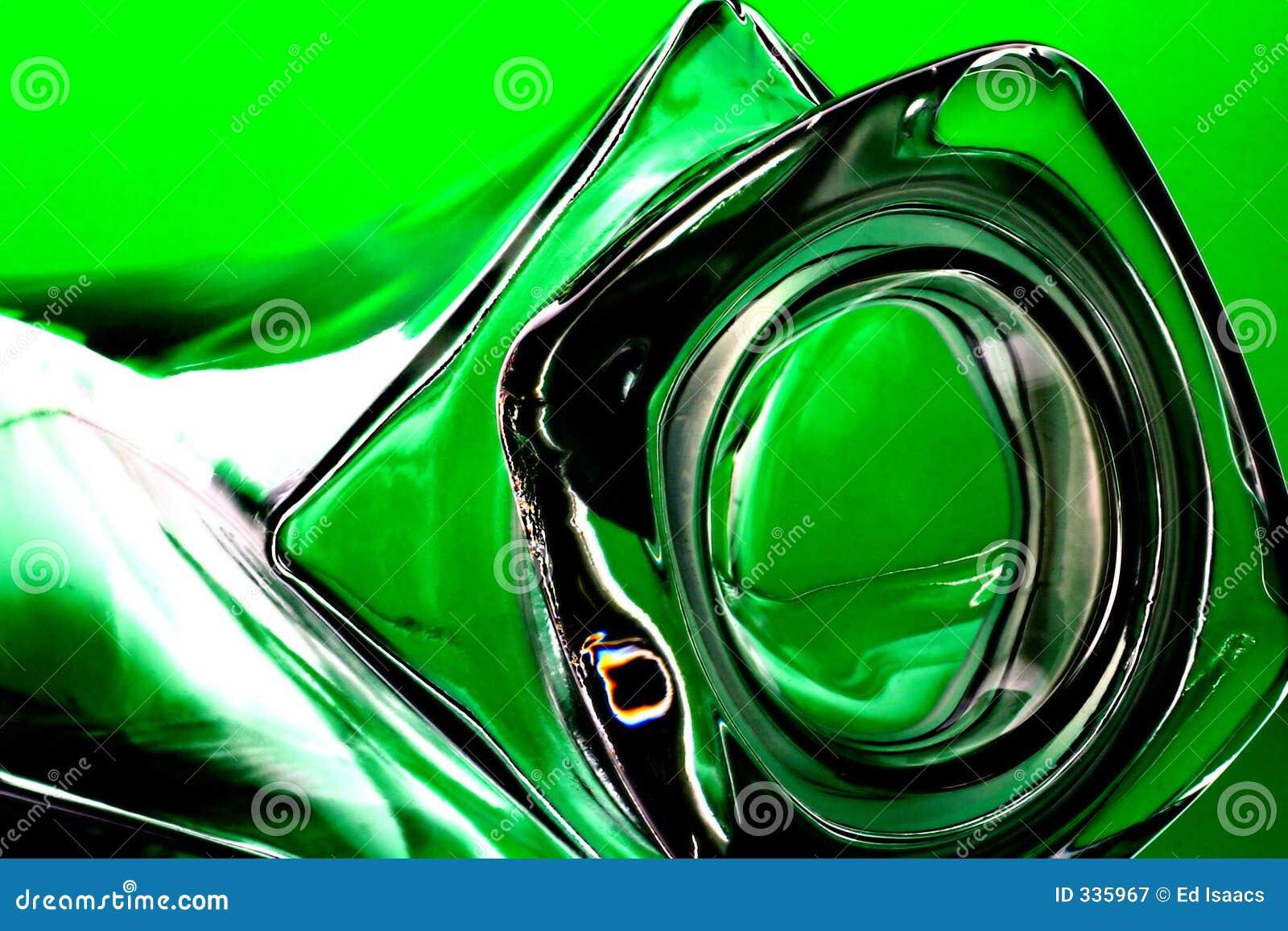 Bouteille sur le vert