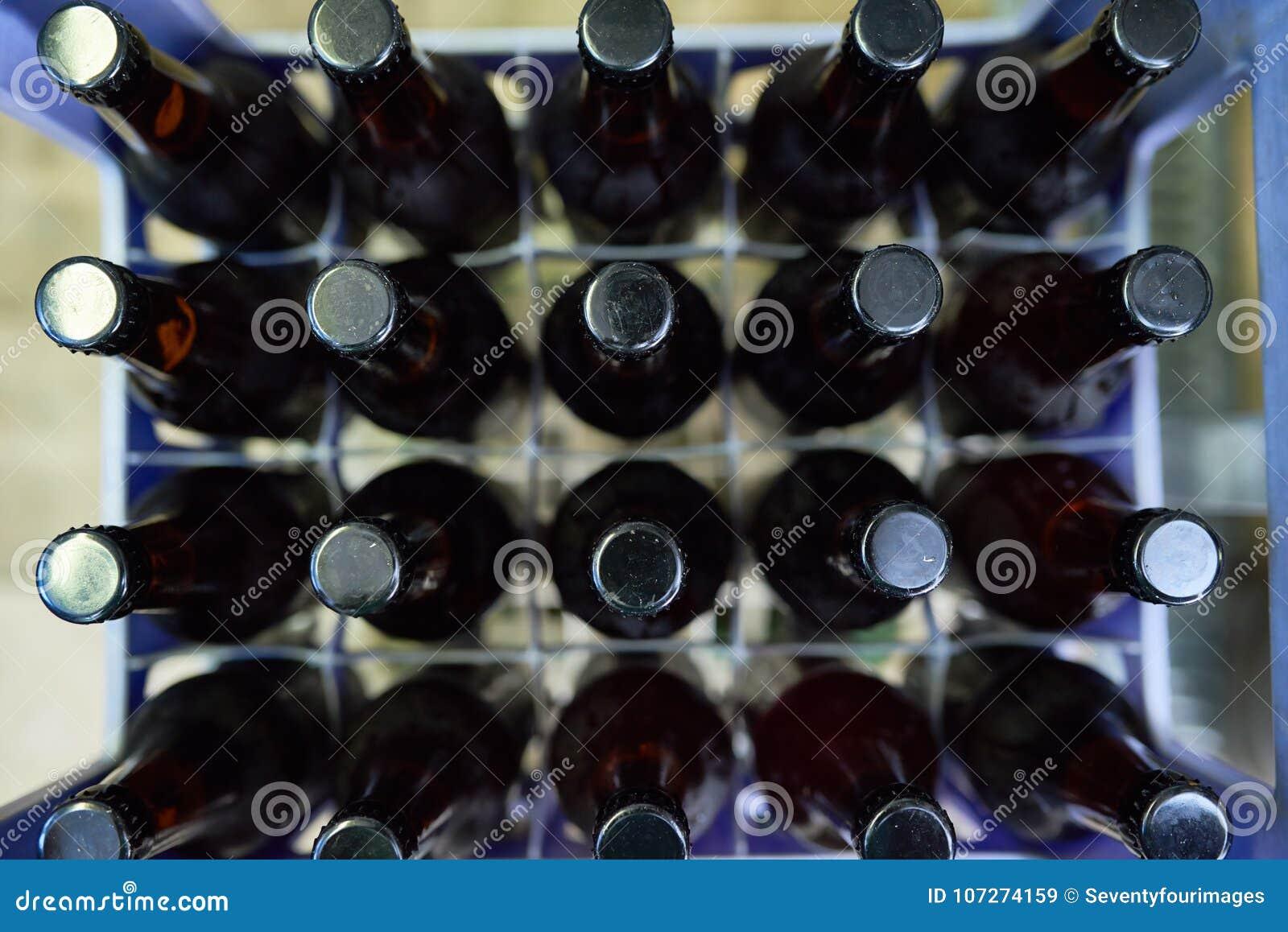 bouteilles bire dans la caisse en plastique - Caisse Biere Plastique