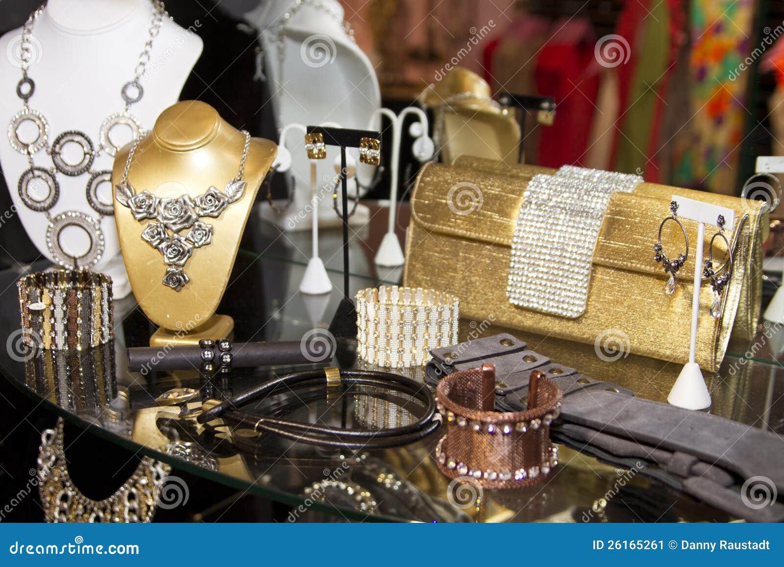 Boutique dos acessórios de forma das mulheres