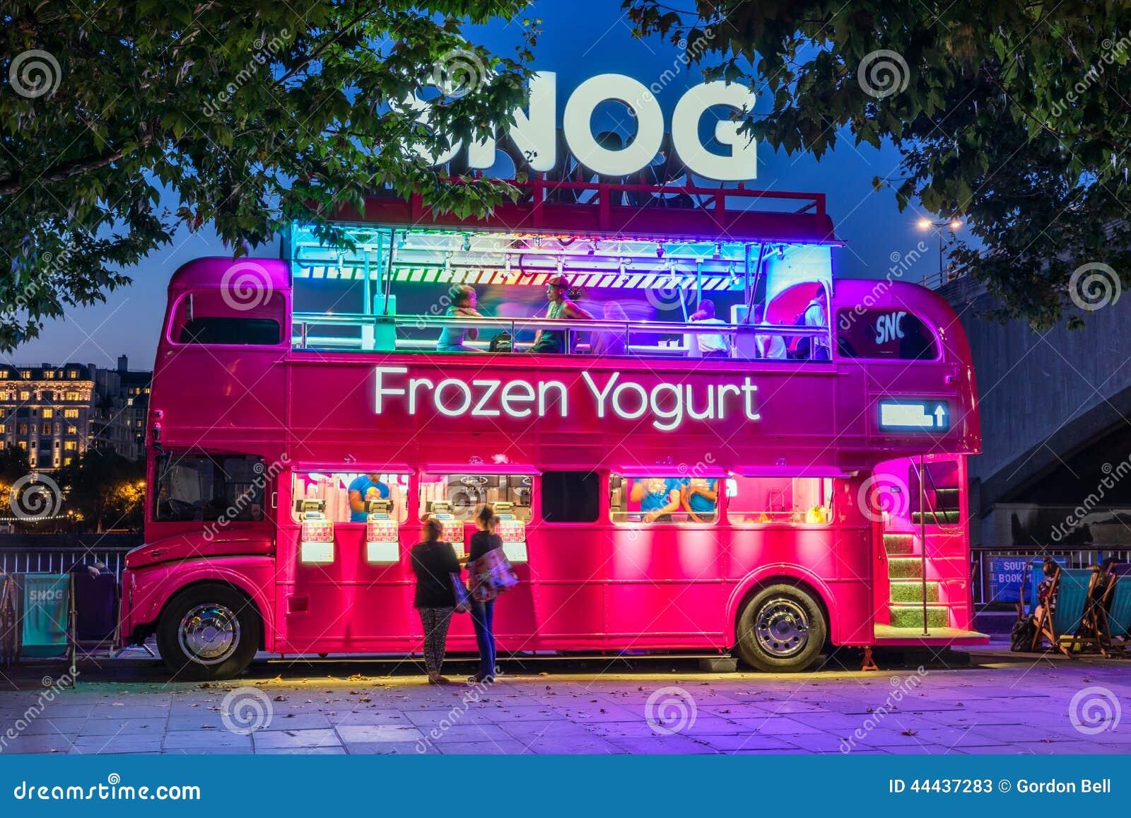 Boutique du yogourt glac de snog sur southbank de londres photo stock ditor - Boutique en angleterre ...