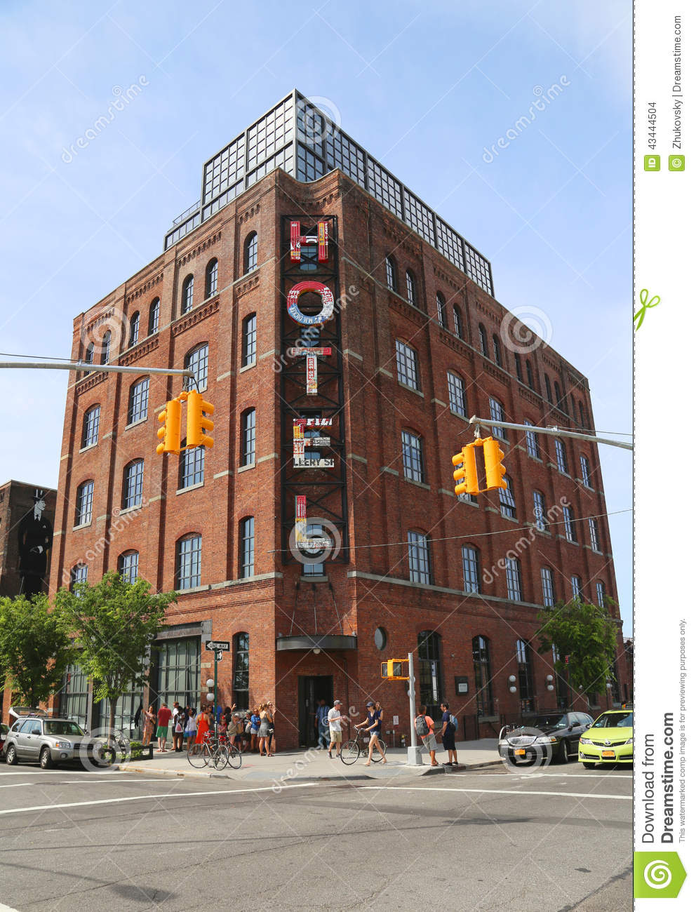 Boutique wythe hotel in williamsburg section in brooklyn for Design hotel williamsburg