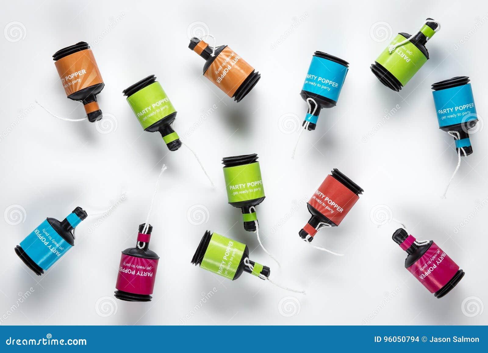 Boutons-pression multicolores de partie