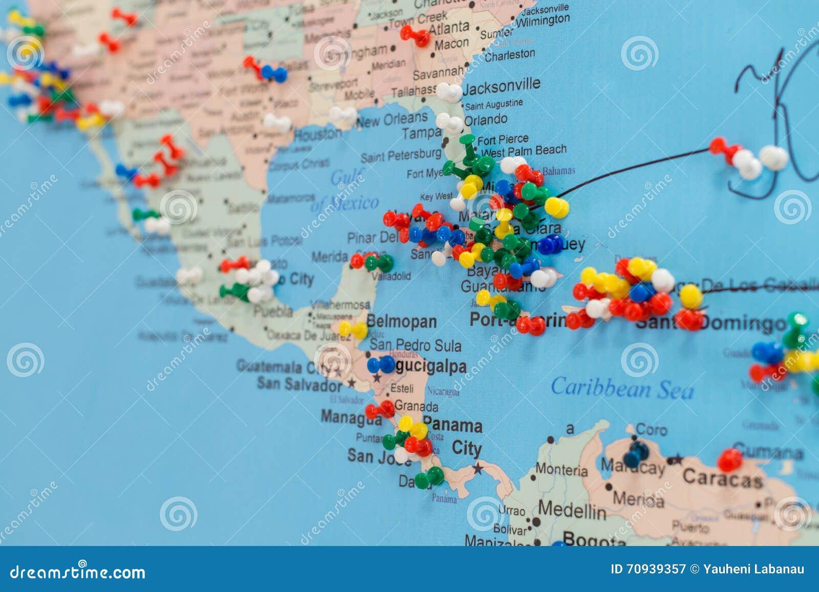 Carte Cuba Monde.Boutons Sur Le Cuba Sur La Carte Du Monde Image Stock