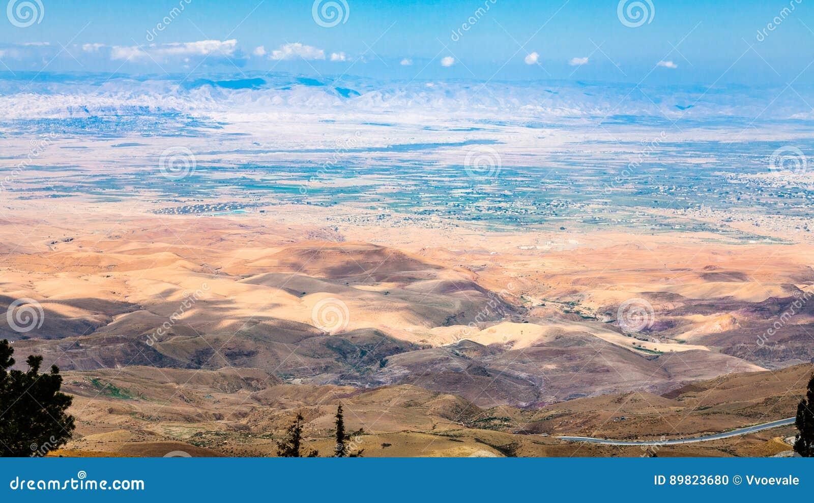 Boven mening van heuvels in Heilig Land van Onderstel Nebo
