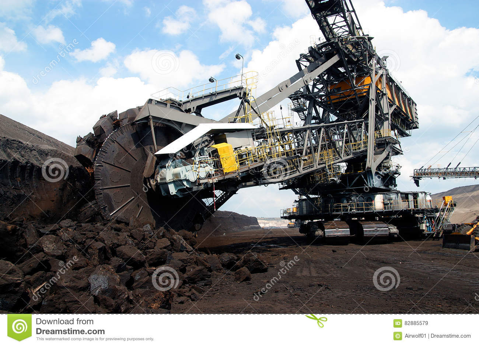 Bovengrondse mijnbouw