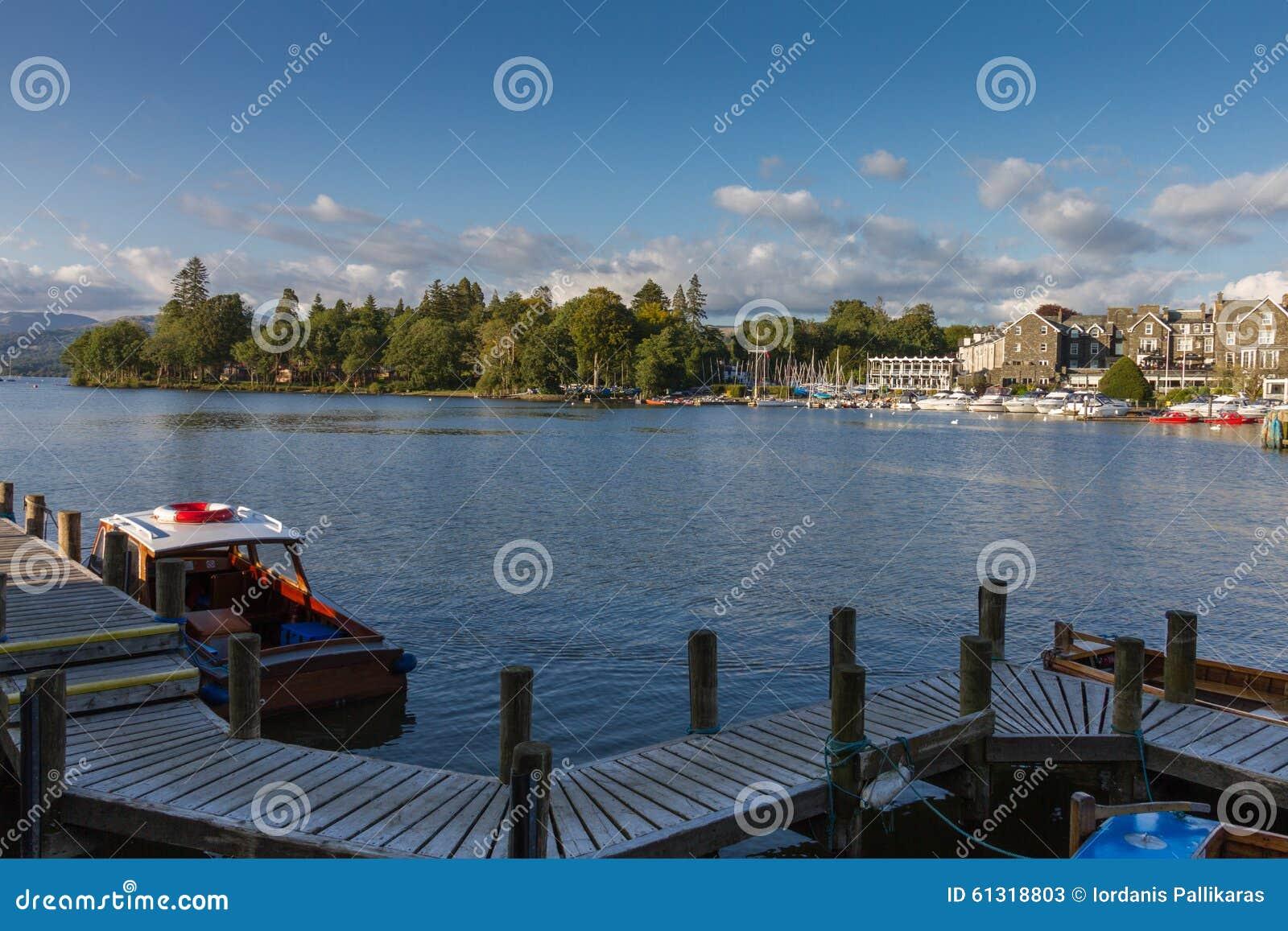 Bowness--Windermere na opinião do porto, distrito do lago em Cumbria, Reino Unido