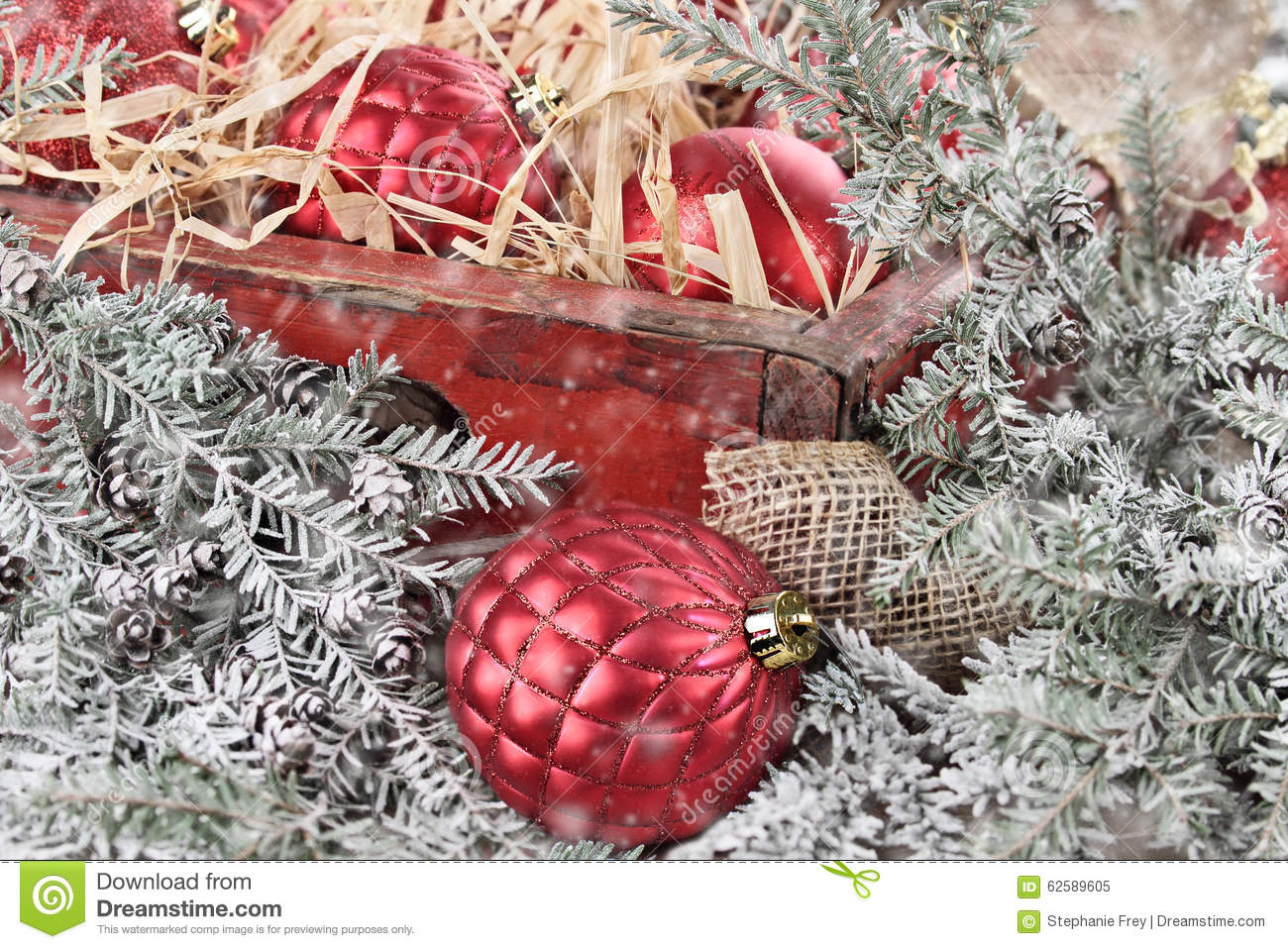 Red glass christmas ornaments - Box Of Red Glass Christmas Ornaments