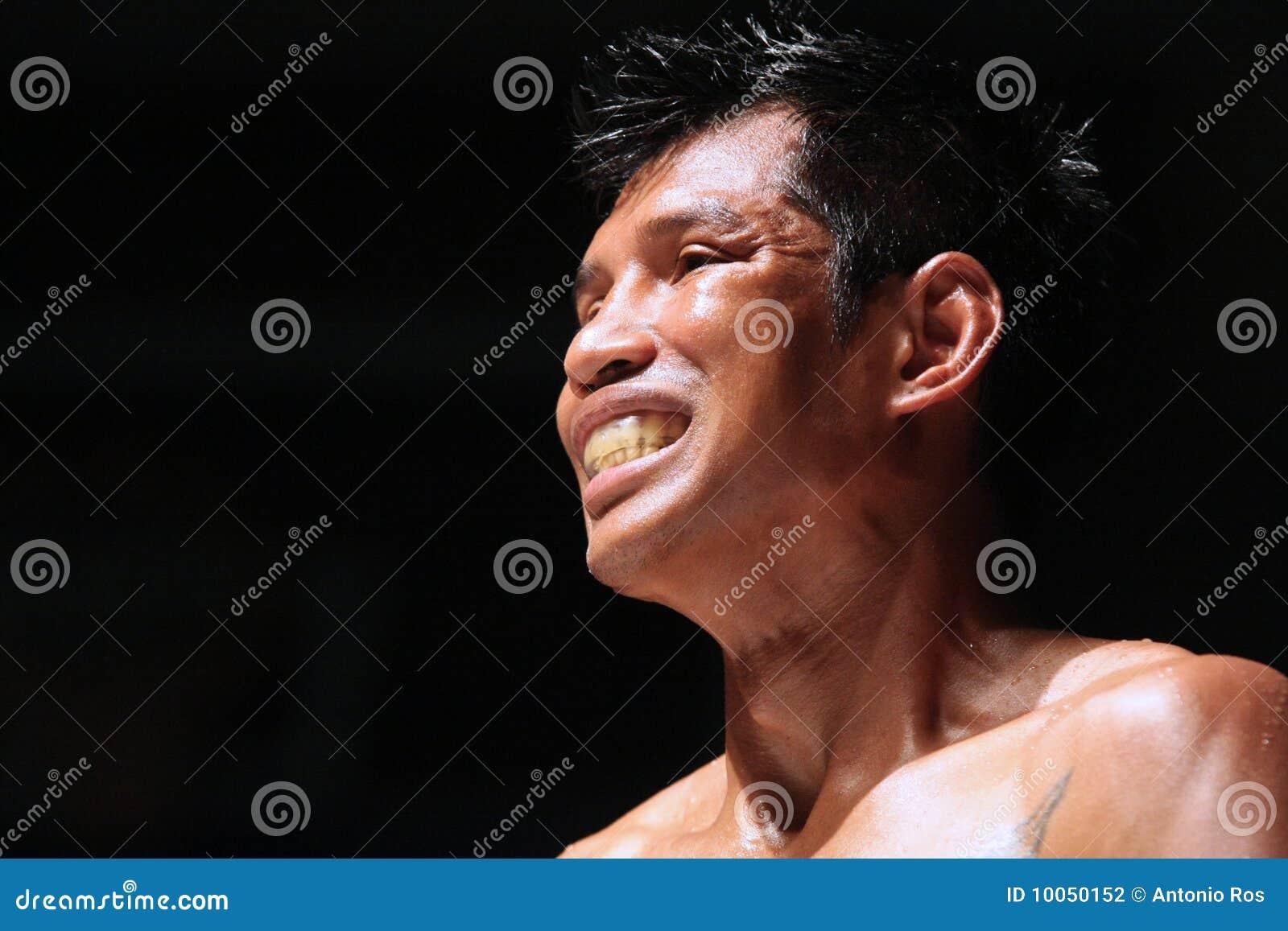 Boxe tailandês internacional, K1, Muay tailandês - Kaoponlek