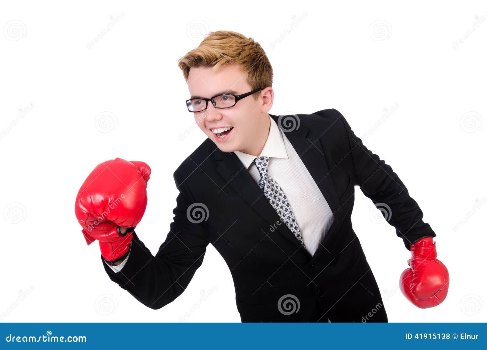 Boxeador joven del hombre de negocios aislado