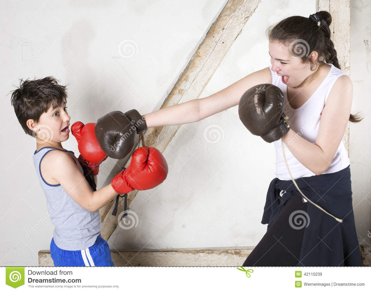 boxing arguement Rexburg – two brigham young university-idaho male roommates got into a an argument on friday where one allegedly used a boxing glove to repeatedly hit the other man.