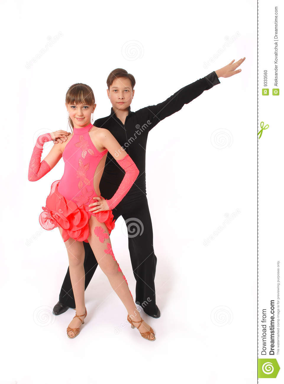howcast how to ballroom dance