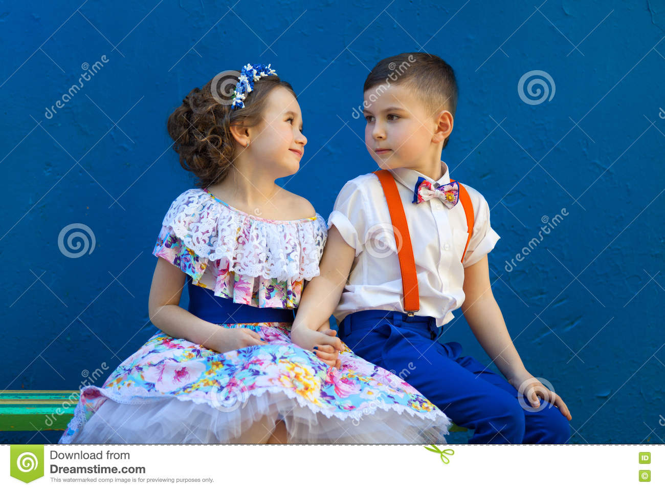 Cute Romantic Boy Girl Stock Images Download 8 010 Royalty Free Photos