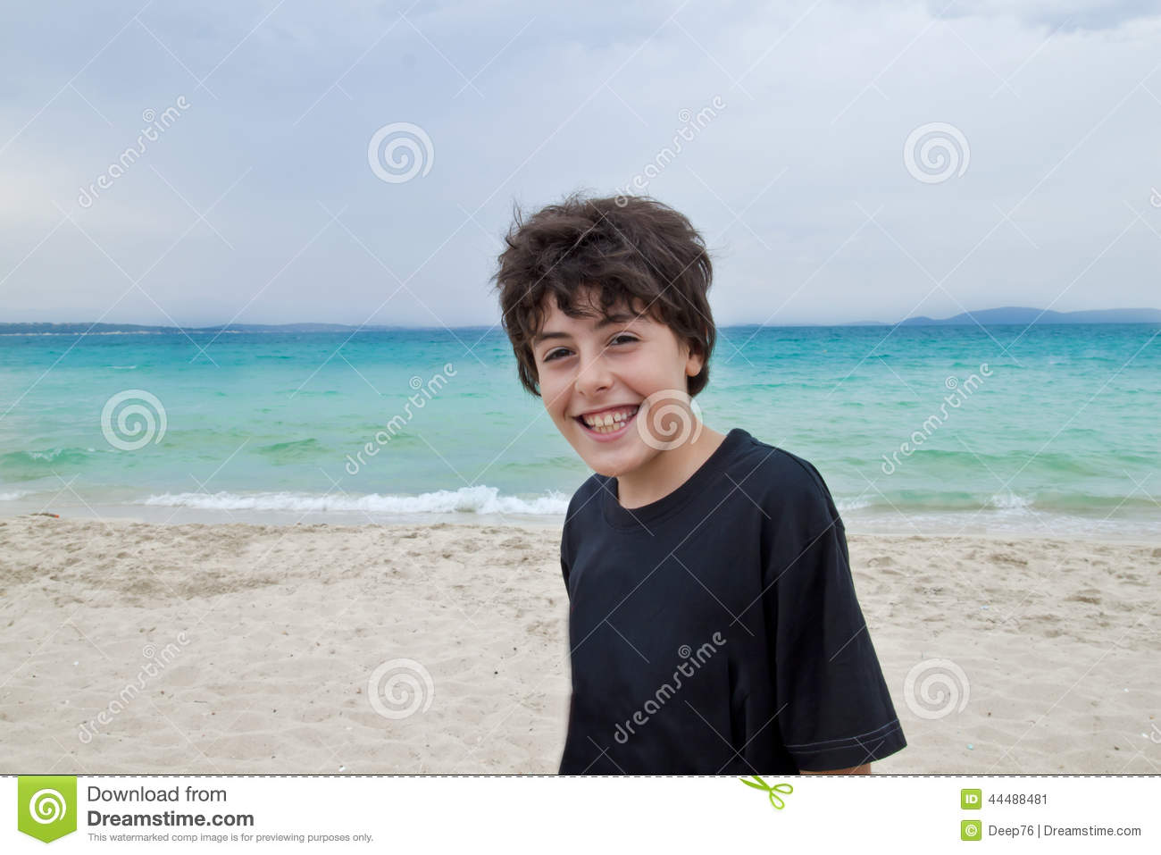 The Boy is Have Fun in Beaches