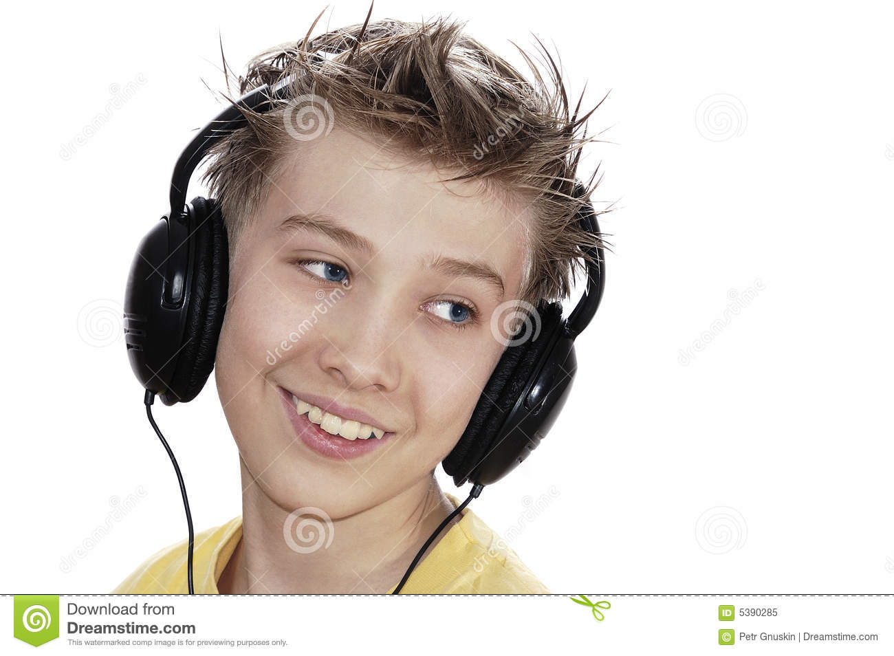 boy-listening-to-music-headphones-5390285.jpg