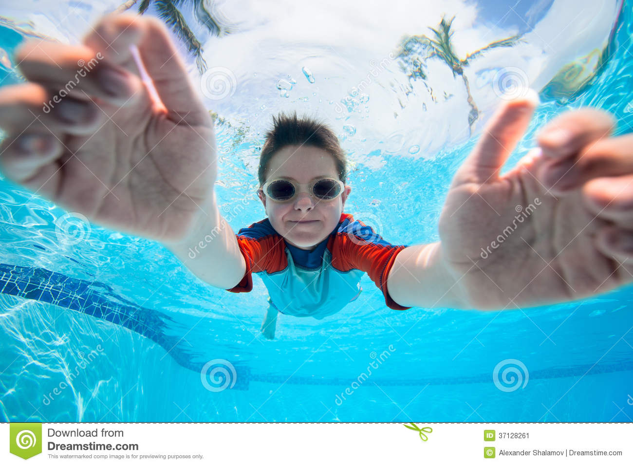 Boy swimming underwater stock image image 37128261 for Cute pool pictures