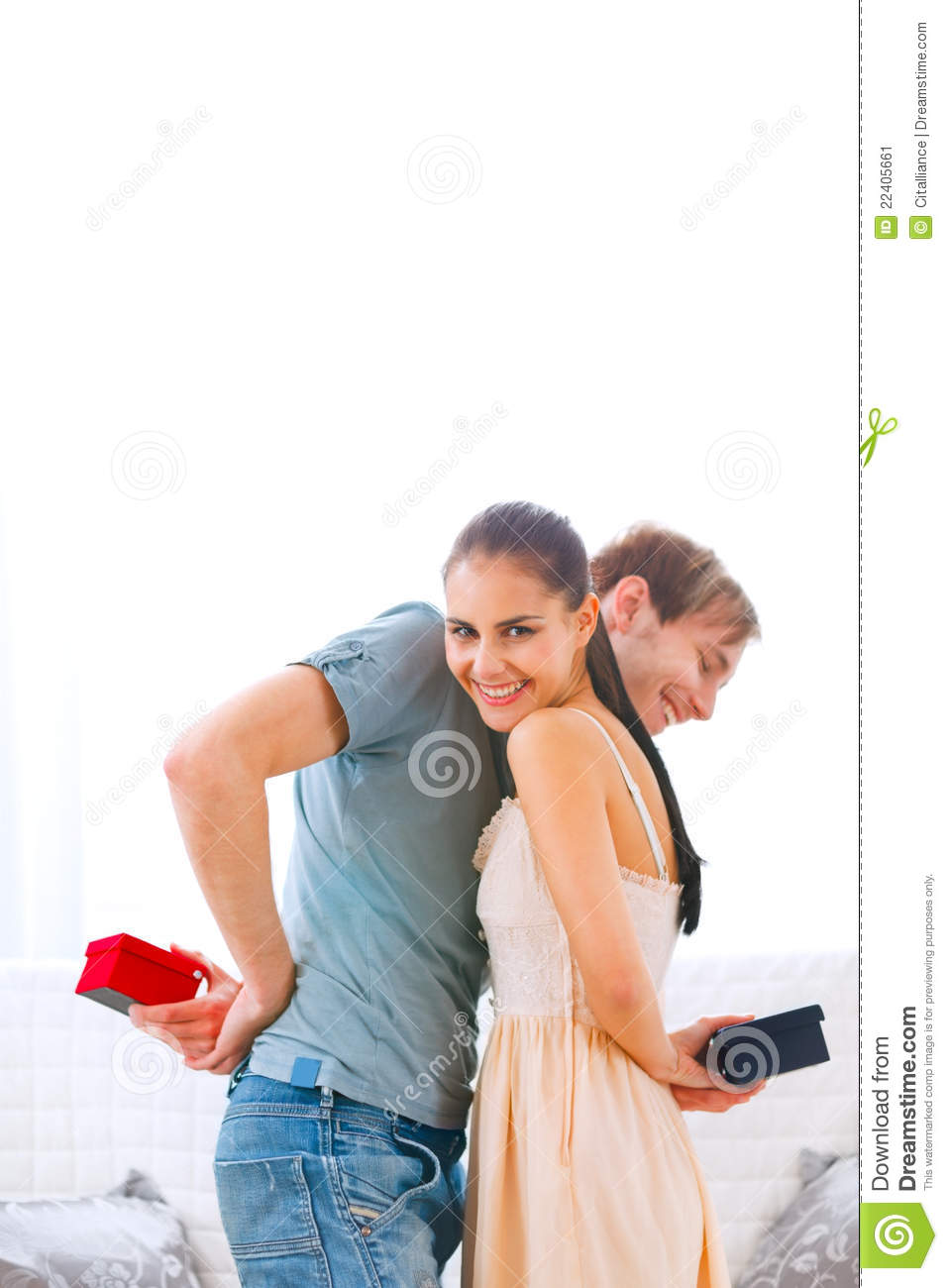 Boyfriend cant wait to see gift of his girlfriend
