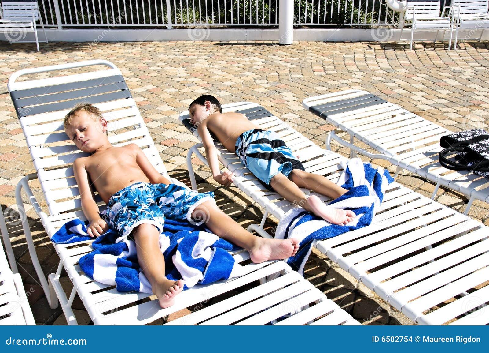 Teen sunbath