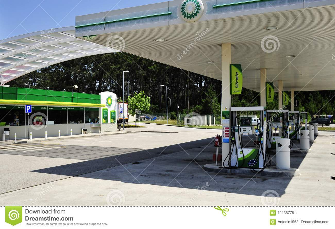 BP Petrol Station Wide View Editorial Photo - Image of expensive