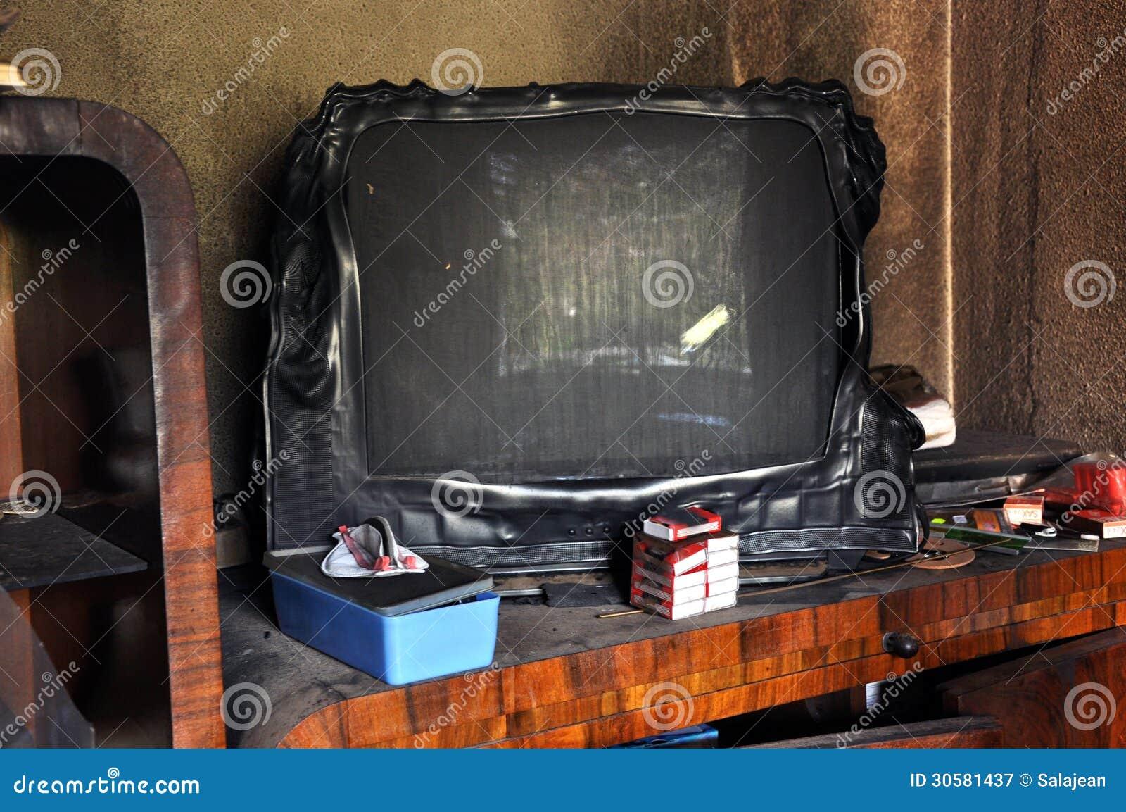 Bränd television efter en husbrand