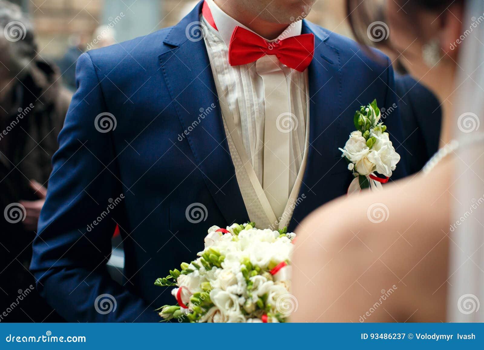 Fliege blauer anzug rote Welche Fliege