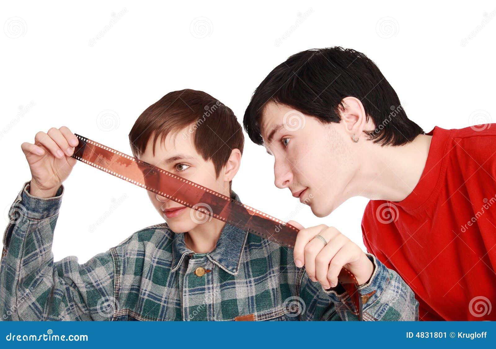 Bröder undersöker negationar