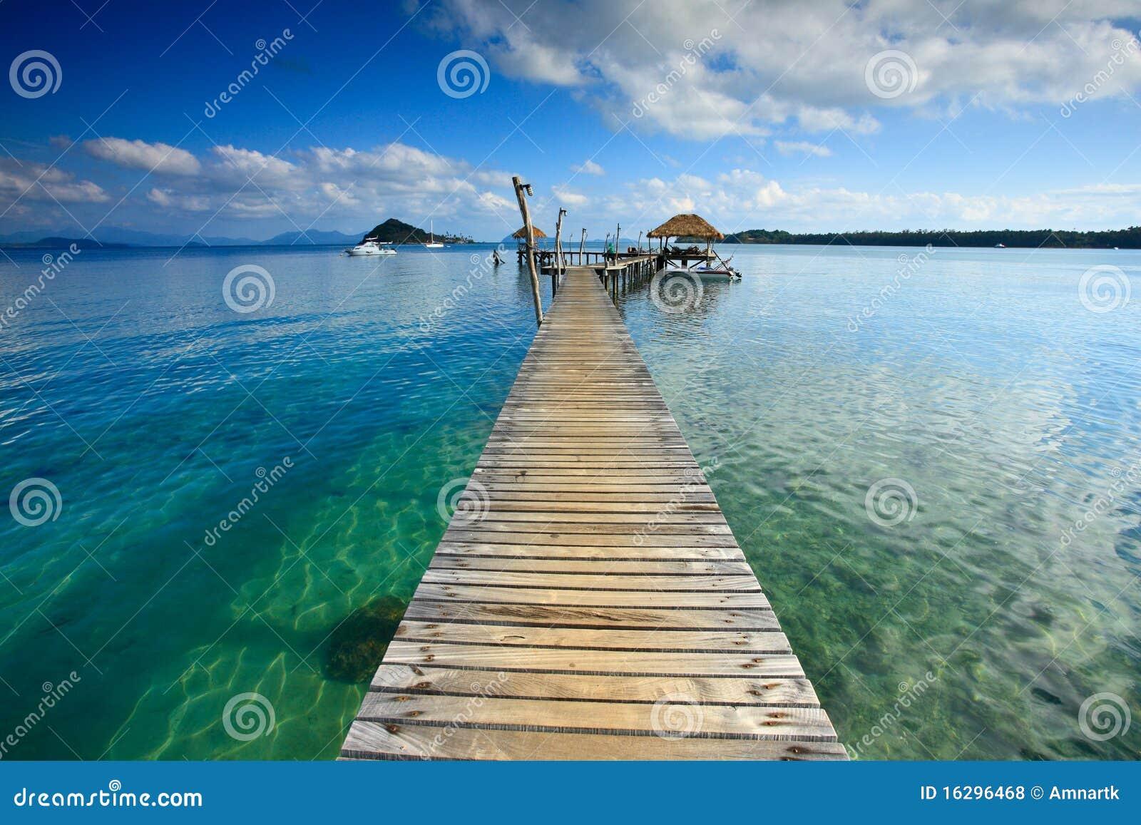 Brücke zum Meer