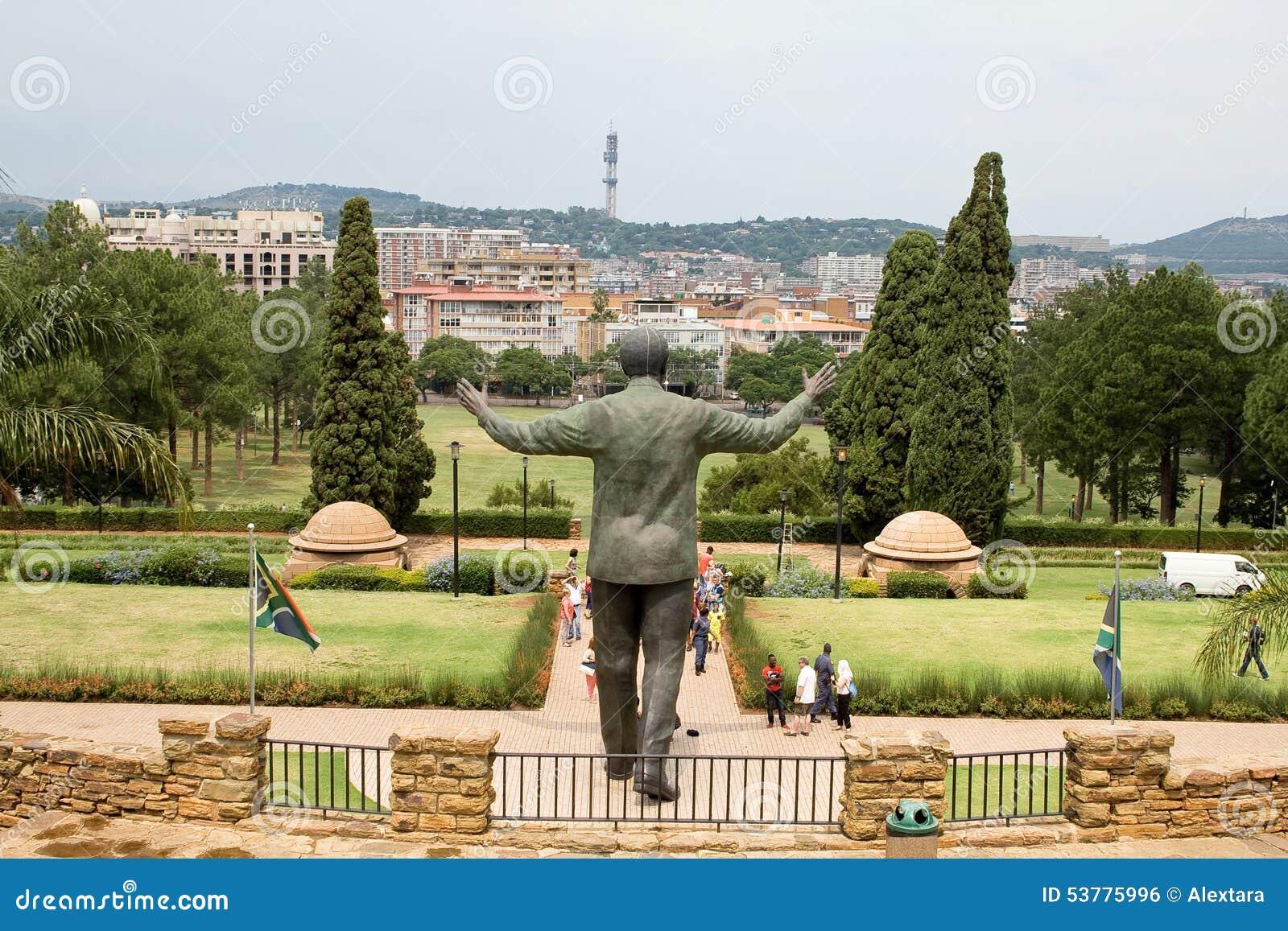Brązowa statua Nelson Mandela