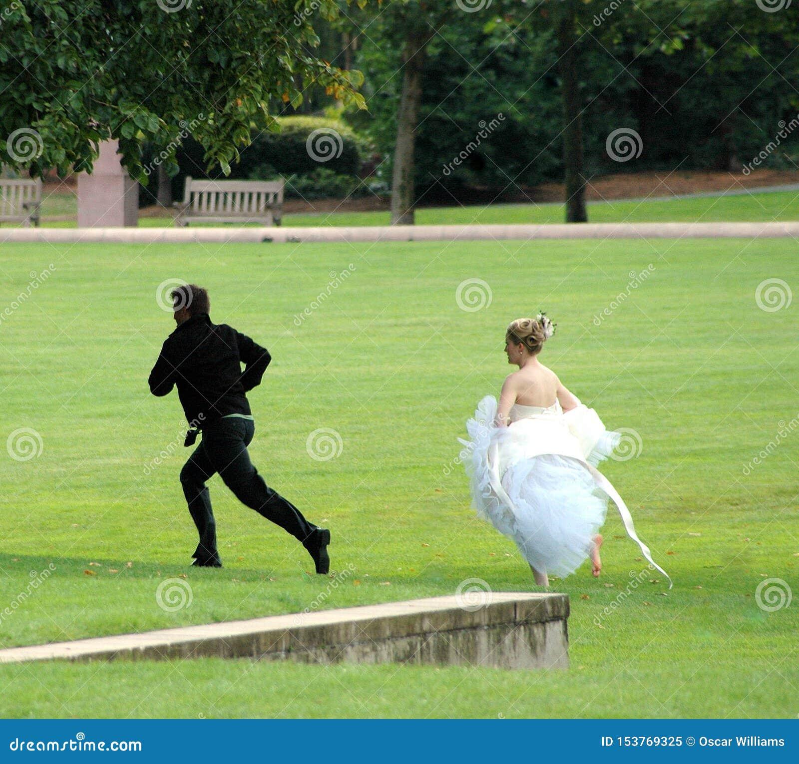 Br?utigam Running Away
