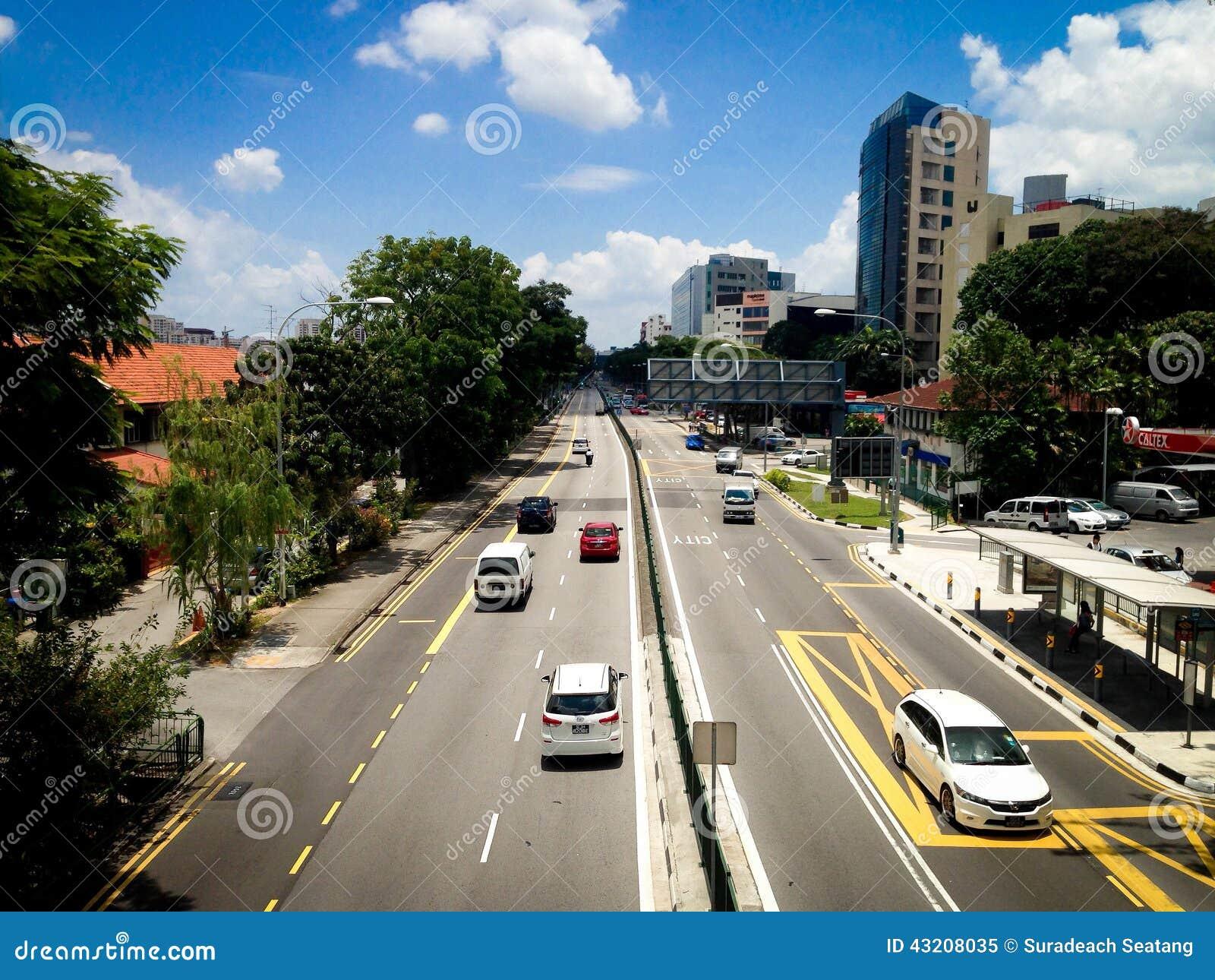 Download Bra trafik redaktionell foto. Bild av billyktor, driftstopp - 43208035