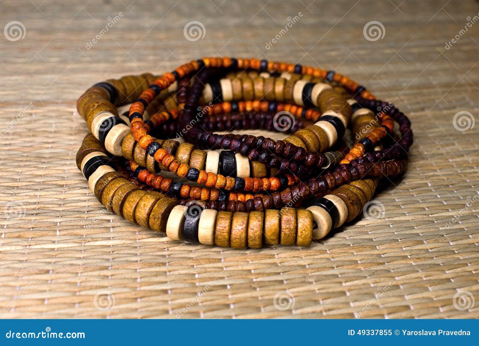 bracciali di legno