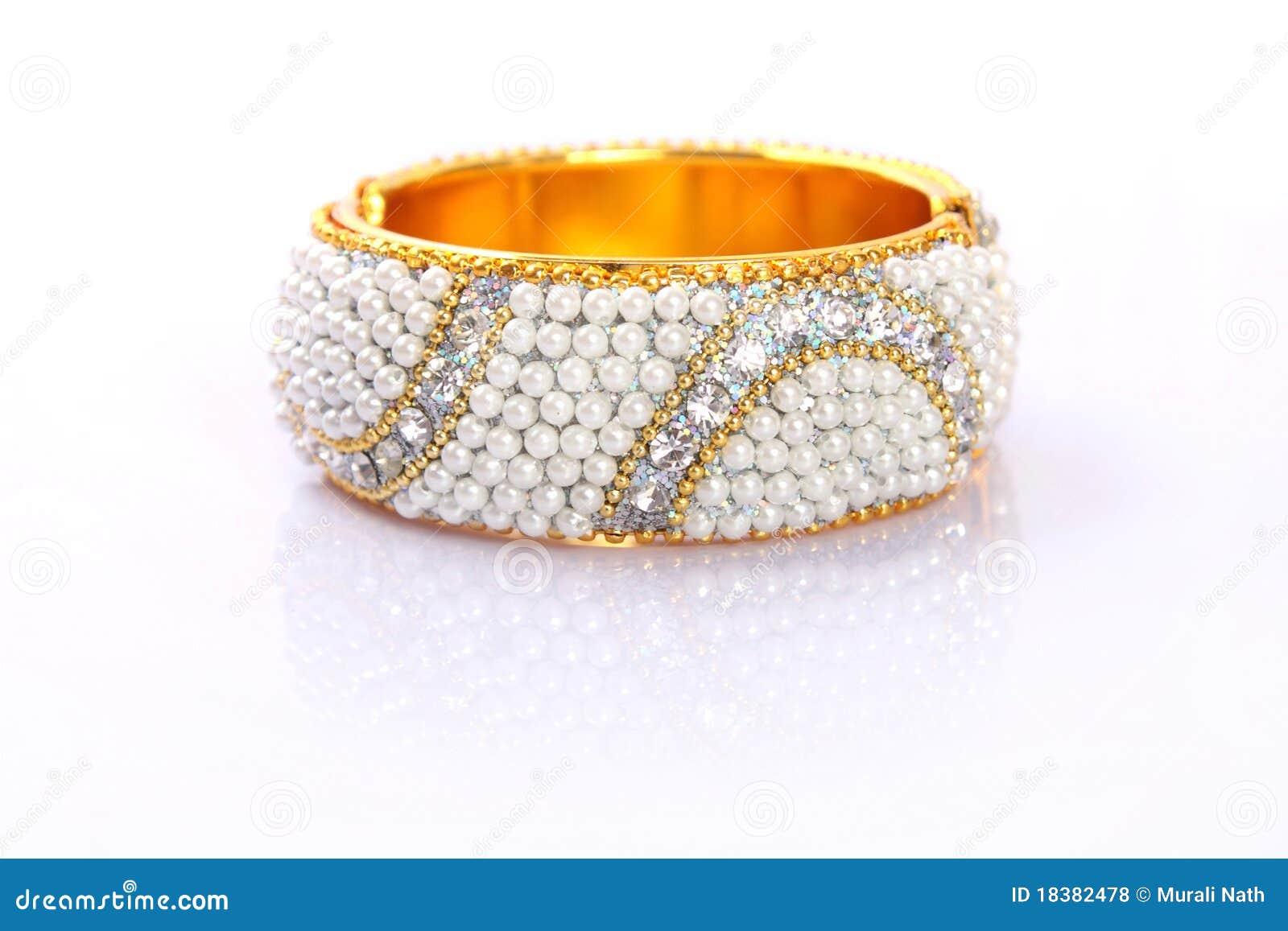 Bracelet traditionnel indien d or avec des programmes
