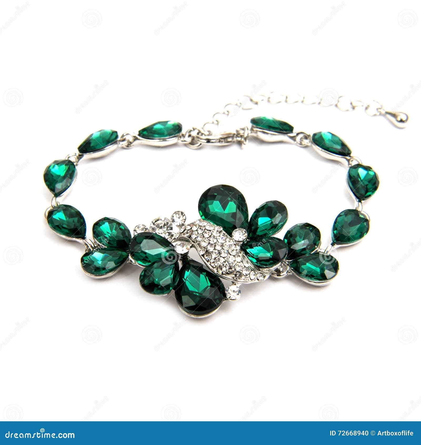 Bracelete esmeralda da forma isolado no branco