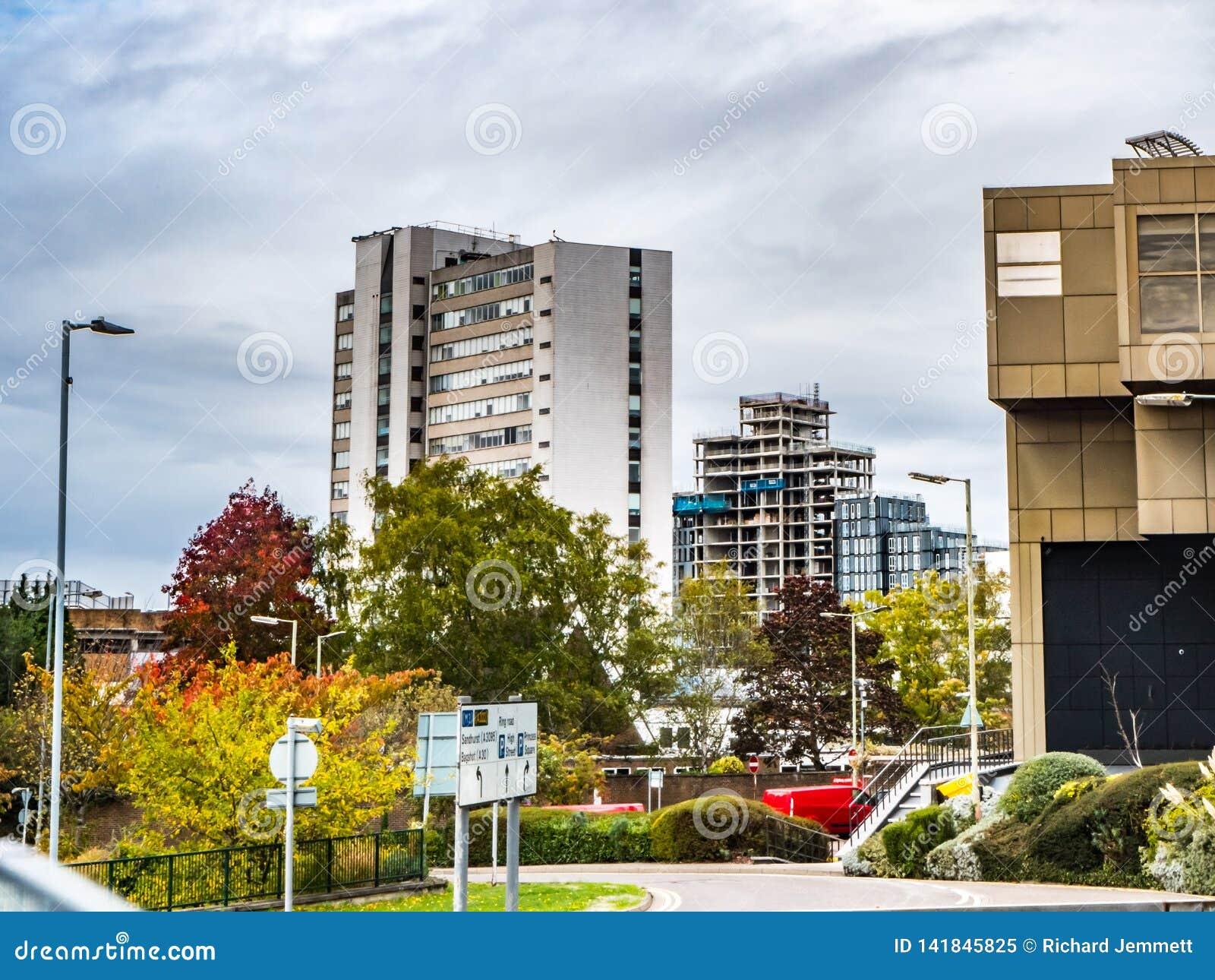 Bracknell, Berkshire Engeland 12 Oktober, 2018: Stadscentrum en nieuwe gebouwen met inbegrip van lexicon en nieuwe vlakten