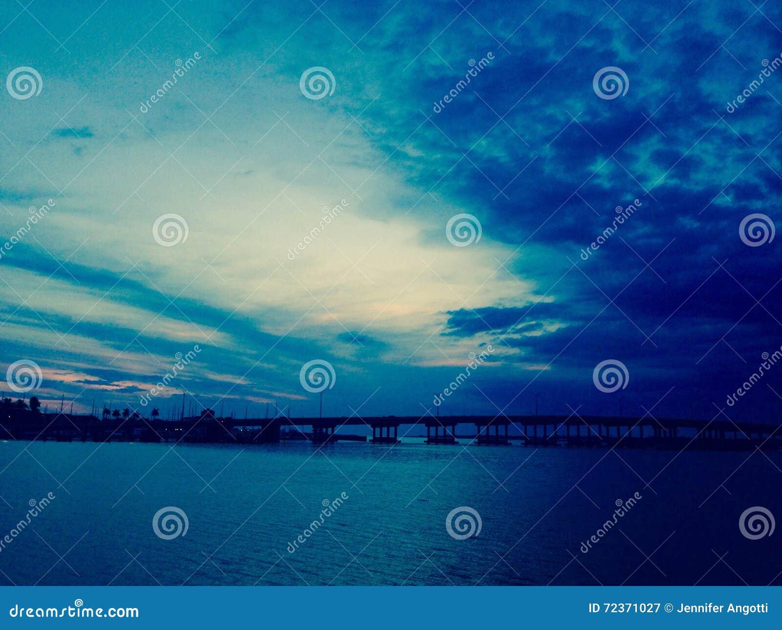 Bradenton海滩萨拉索塔海湾佛罗里达桥梁