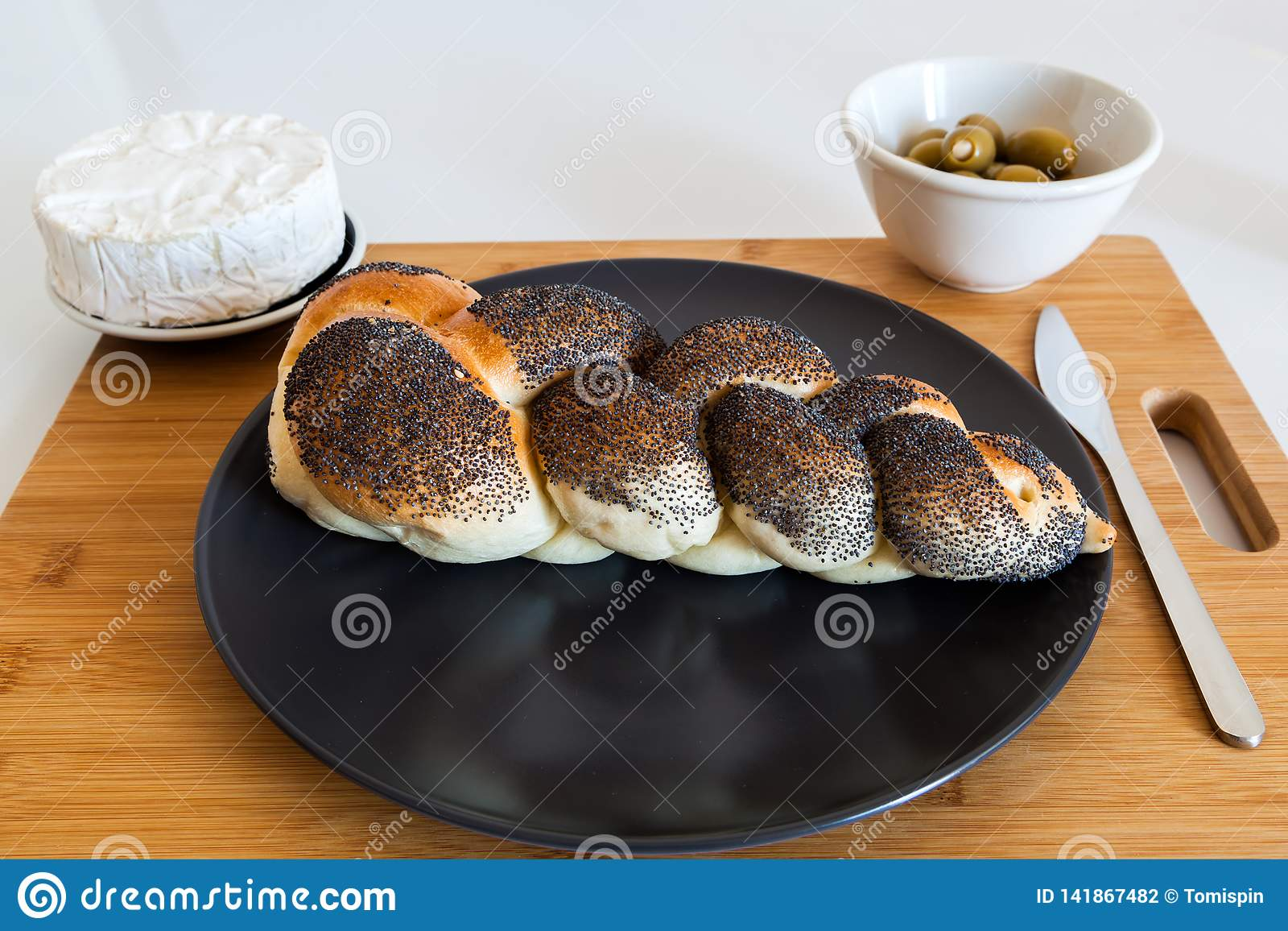 Braided bread with olives and cheese