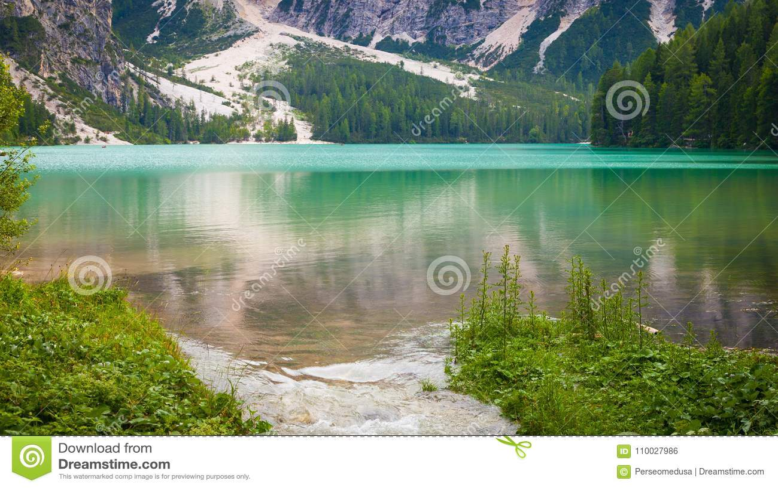 Braiesmeer in Dolomiti-gebied, Italië