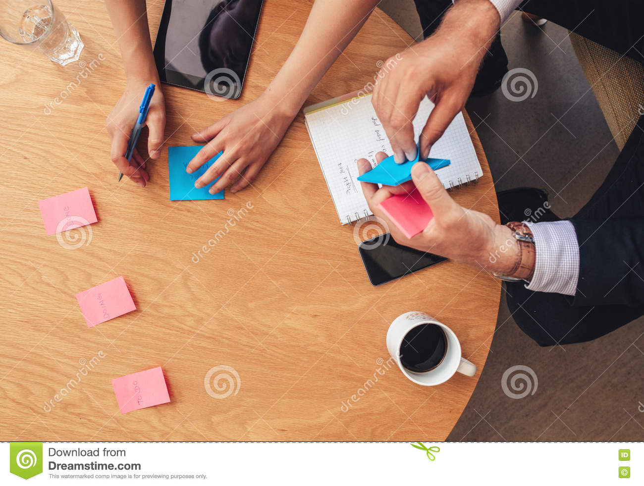 Dining Room Attendant Job Description 90 Young Businessman At Desk Covered With Blank Sticky