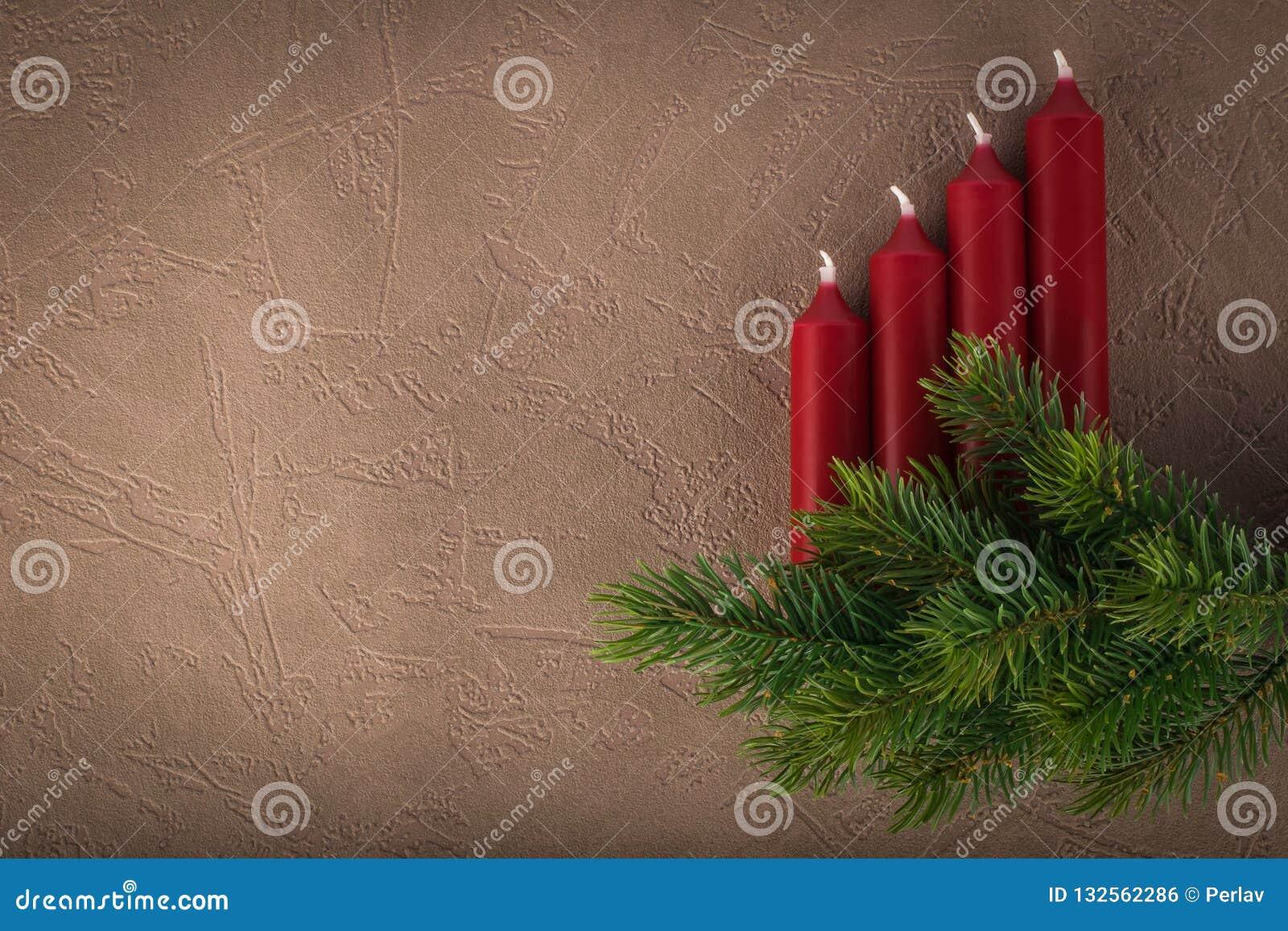 Branche D Arbre Sapin De Noel branche d'arbre de sapin de noël avec des bougies photo