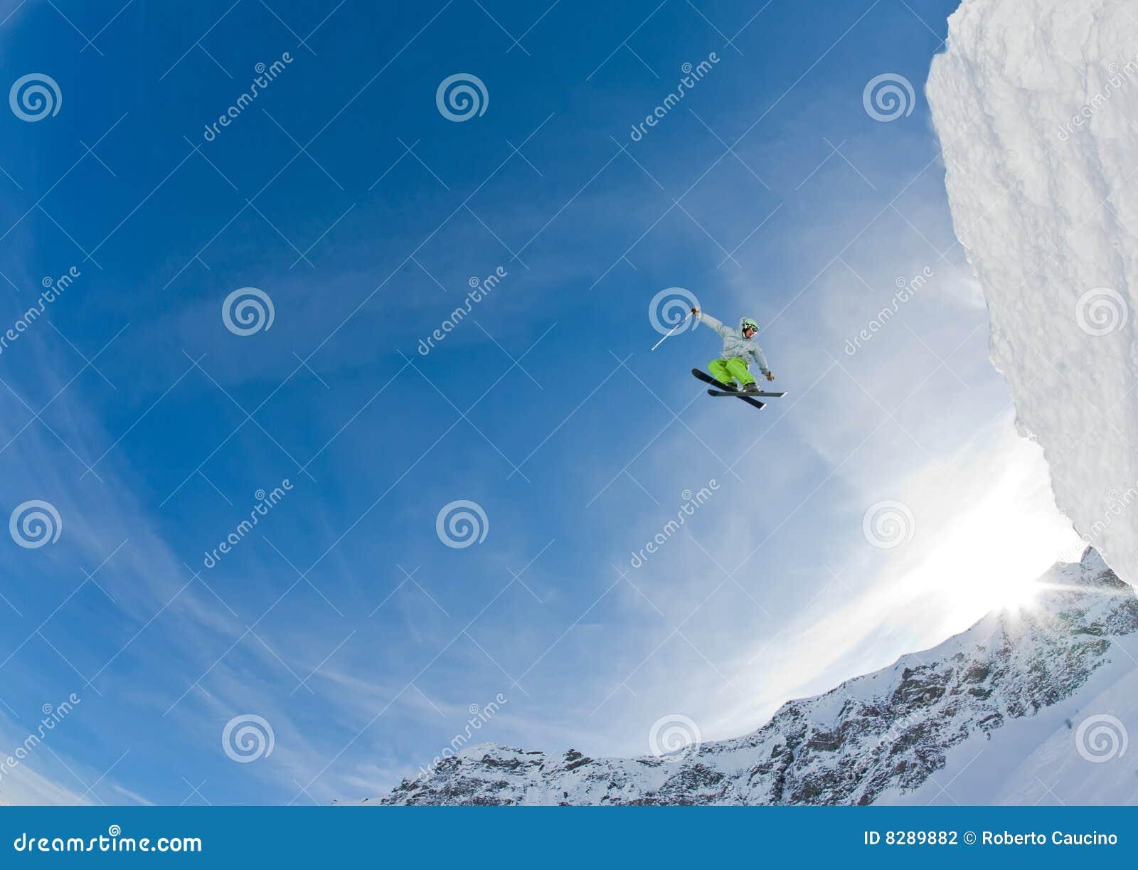 Branchez le skieur