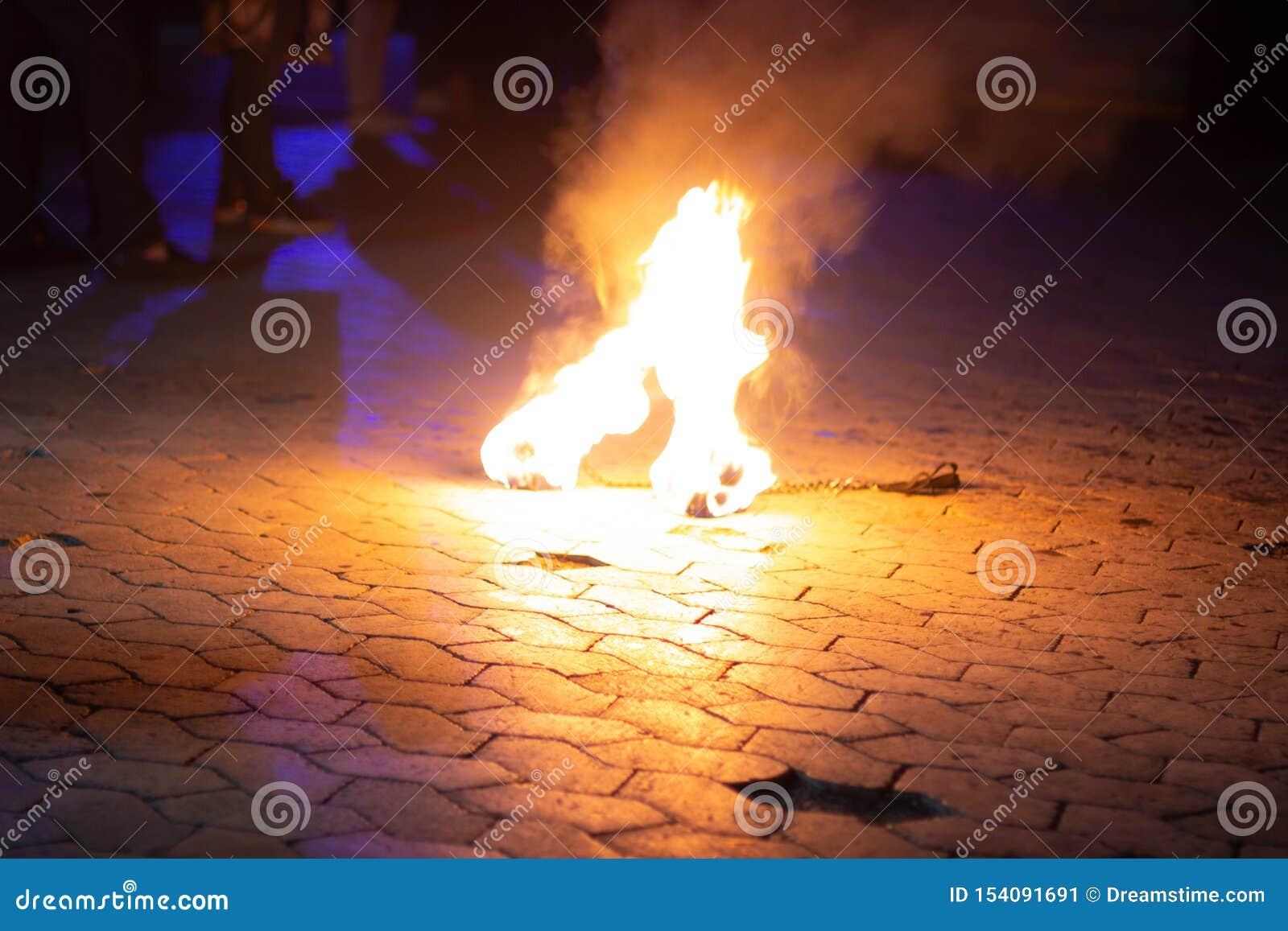 Brand die op de grond liggen