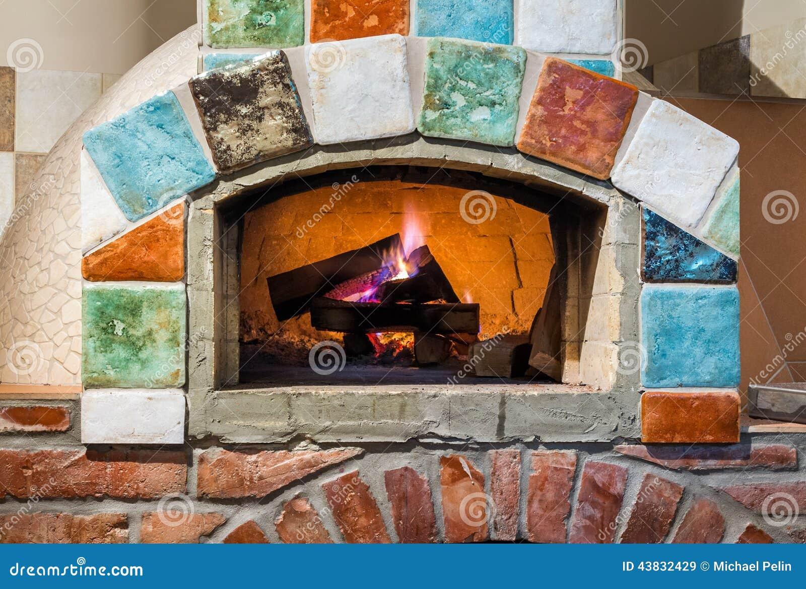 Brand i yrkesmässig italiensk stylepizzaugn