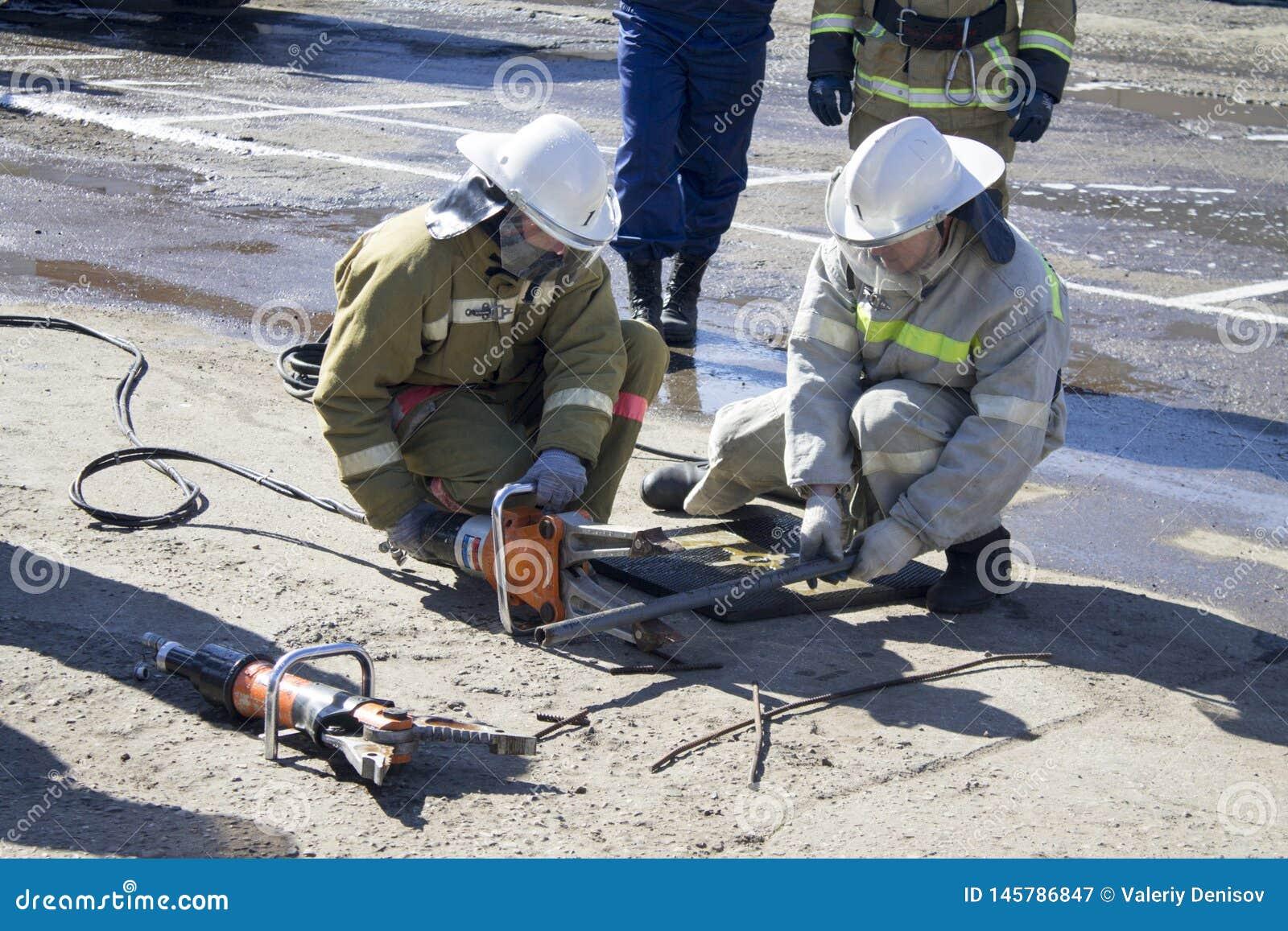 Brandbestrijders op het werk