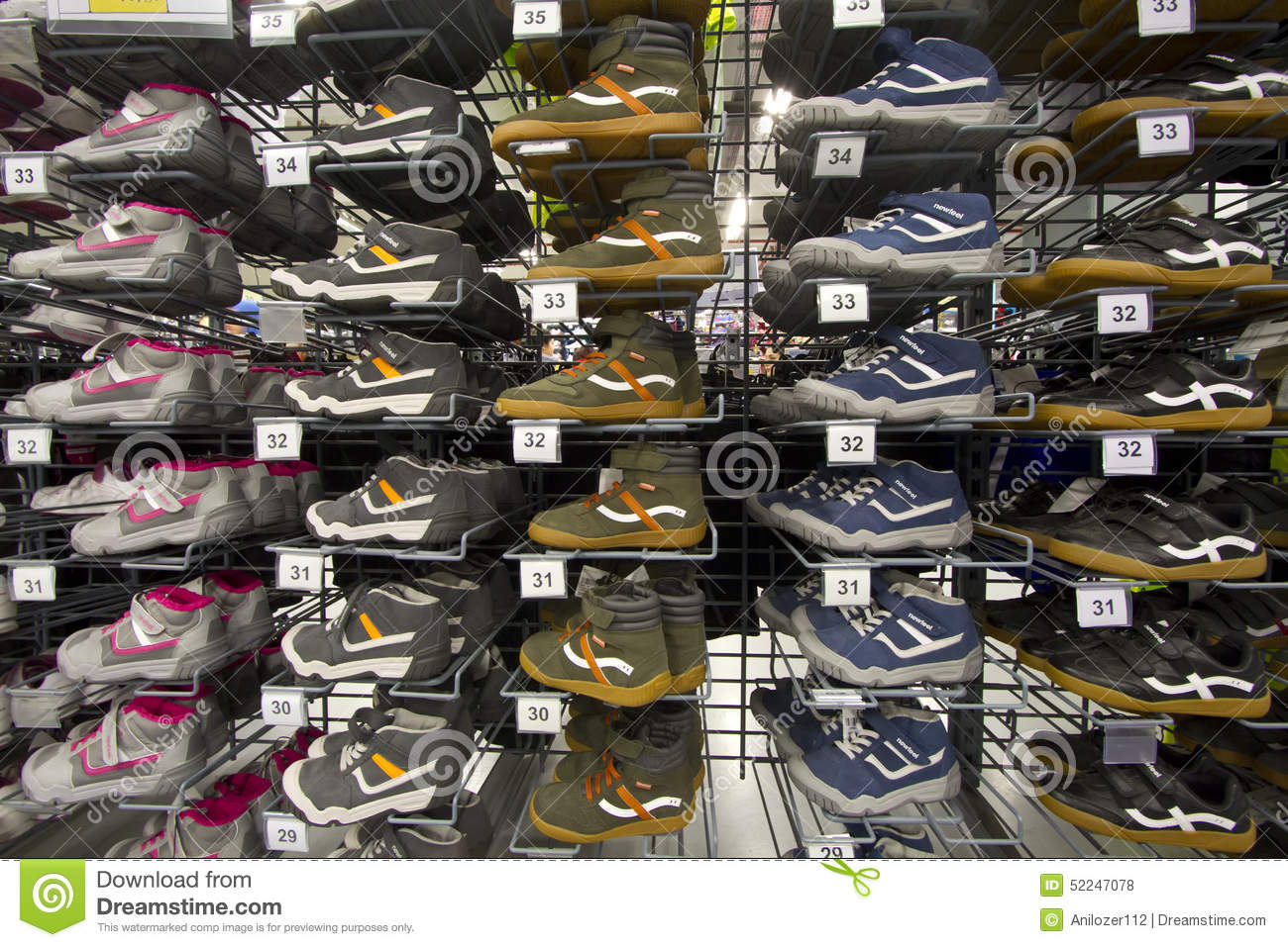 Branded Sneakers And Jogging Shoes