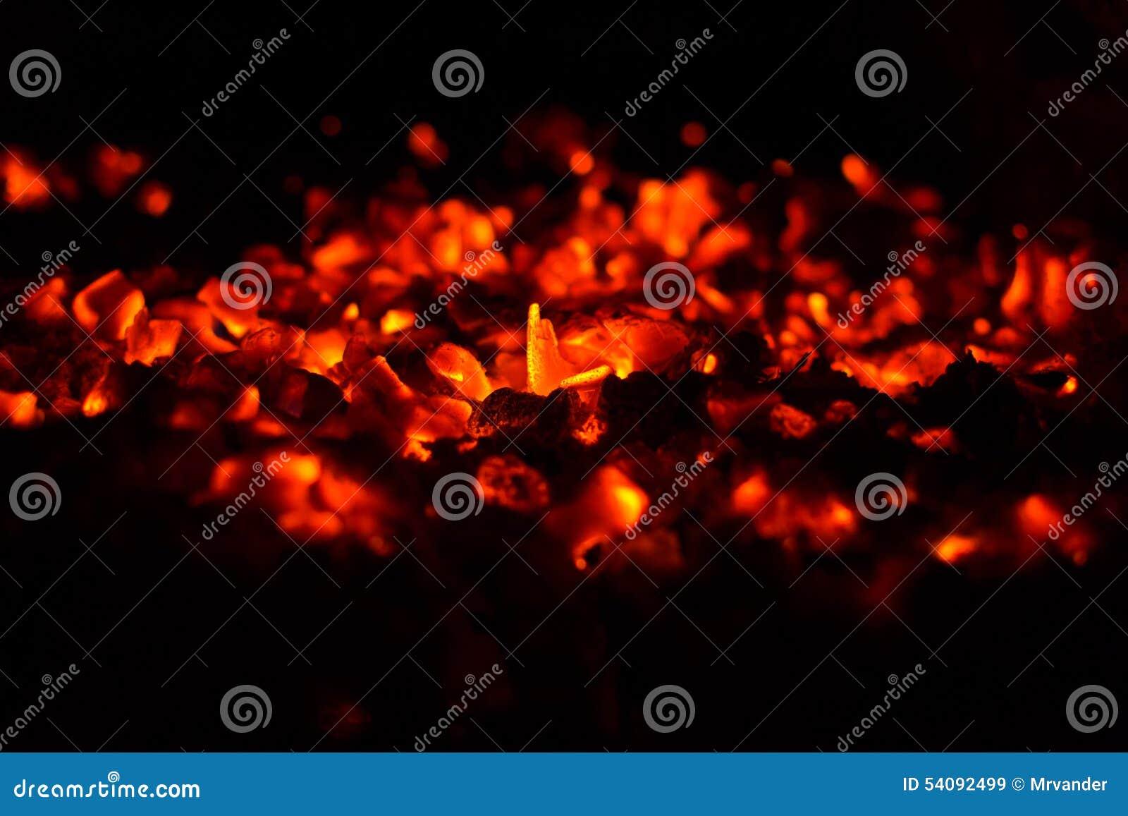 Brandende steenkolen