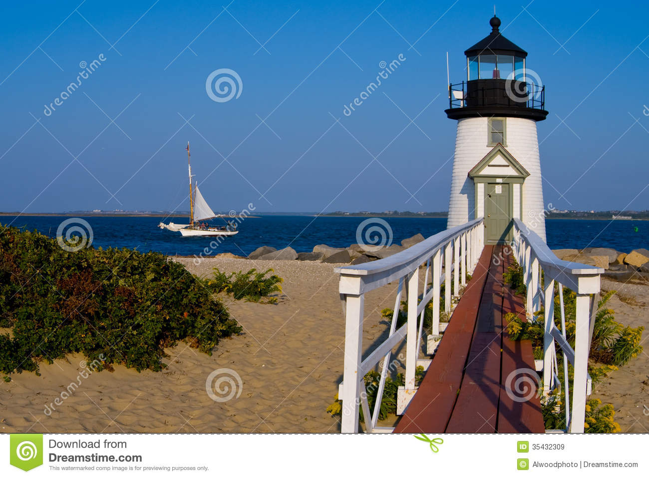 Dunk Island Has Been Rebuilt: Brant Point Lighthouse On Nantucket Island Royalty Free