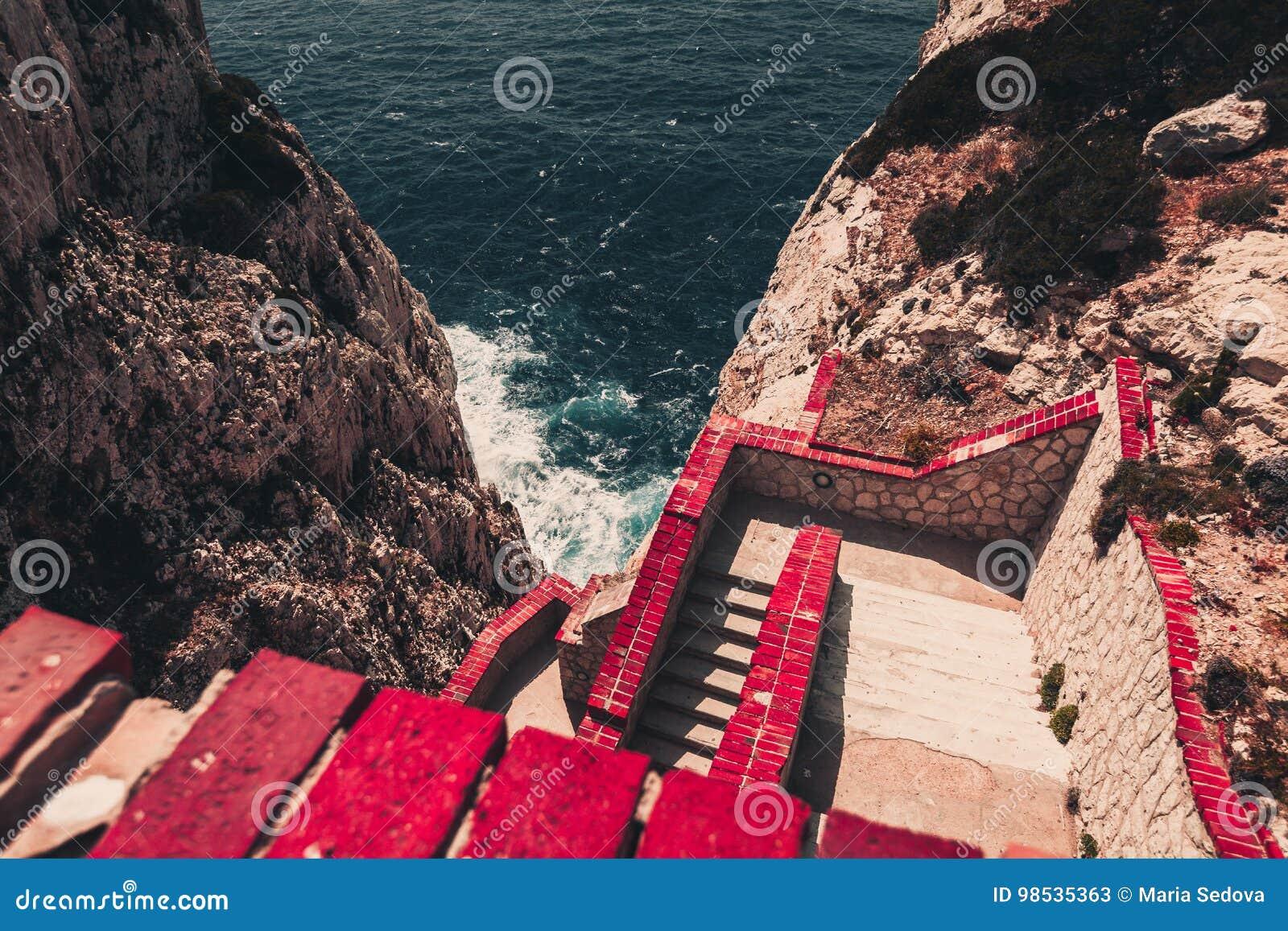 Brant trappa ner till havet